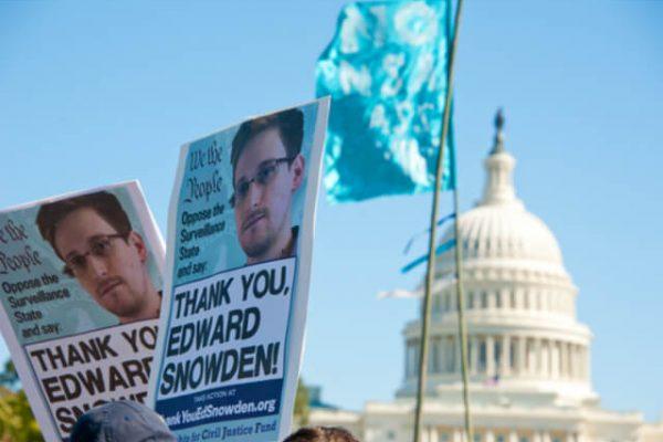 Snowden: el informático que publicó documentos sobre programas de vigilancia masiva
