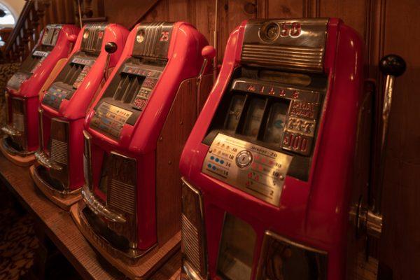 Liberty Bell y Money Honey: La historia de las máquinas tragamonedas