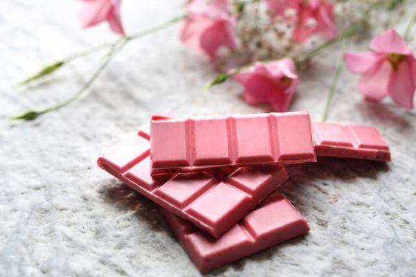 Conoce el excéntrico chocolate rosado, el cuarto tipo de esta dulce delicia
