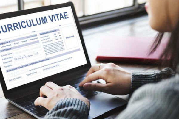 ¿Cómo adaptar tu currículum para hallar trabajos temporales?